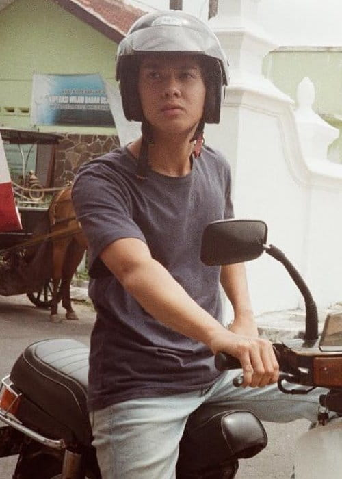 Iqbaal Ramadhan Height, Weight, Age, Body Statistics