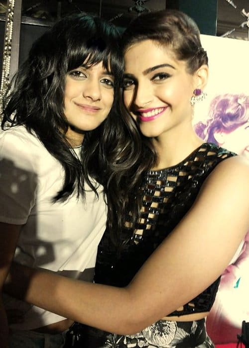 Jasleen Royal (Left) and Sonam Kapoor at khoobsurat's music launch September 2014