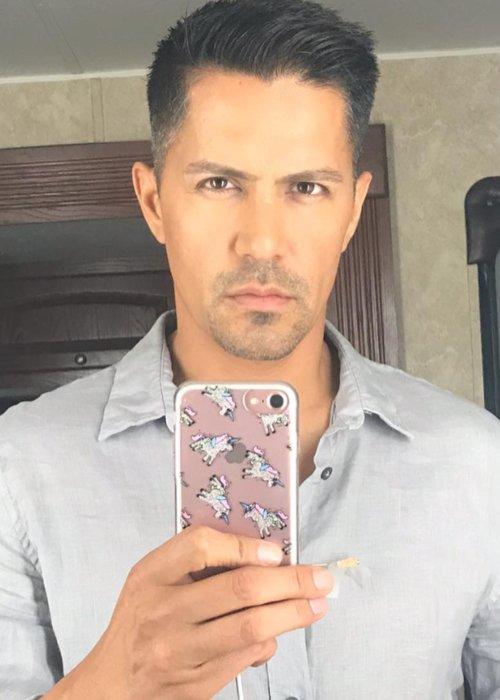 Jay Hernández in an Instagram selfie as seen in September 2018