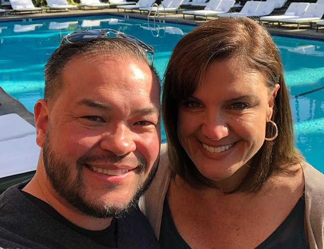 Jon Gosselin taking a selfie with Colleen Conrad in December 2018