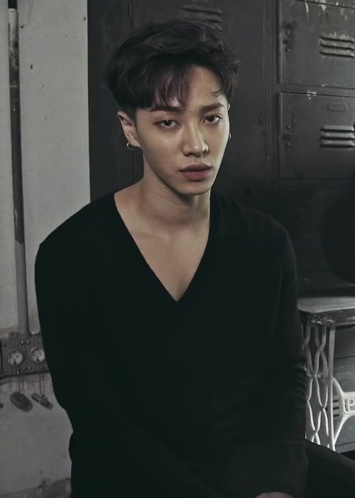 Lee Gi-kwang during one of his projects