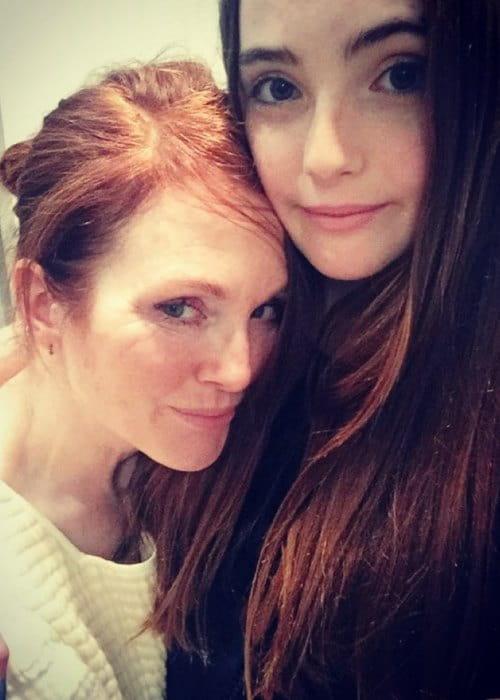 Liv Freundlich and Julianne Moore in a selfie in November 2015