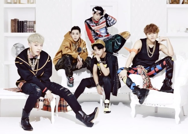 MYNAME members in a promotional still for group's second mini-album in February 2015