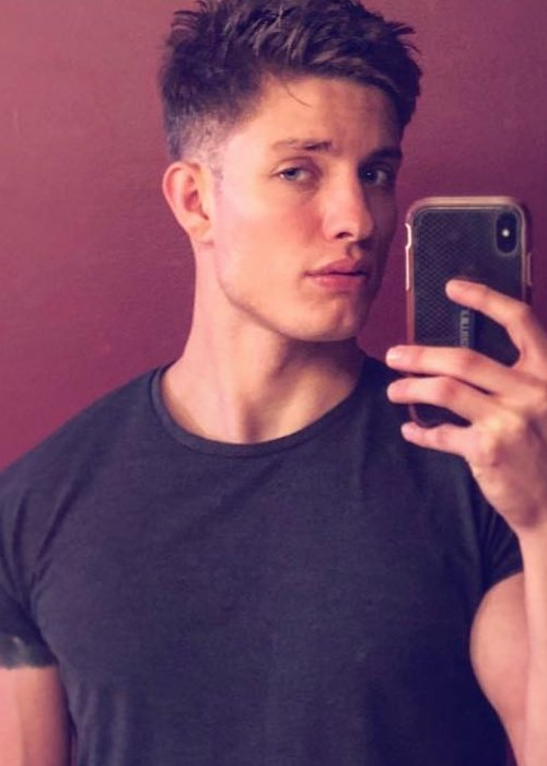 Matt Rife in a selfie as seen in October 2018