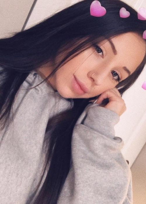 Nicolette Waltzer in a selfie in October 2018