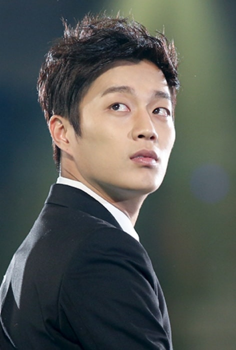 Yoon Doo-joon as seen at Melon Awards 2012