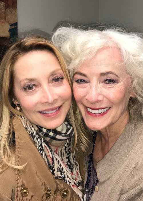 Betty Buckley (Right) and Sharon Lawrence in a selfie in February 2019