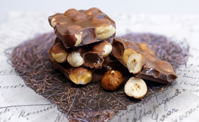 Chewy nut-filled chocolate