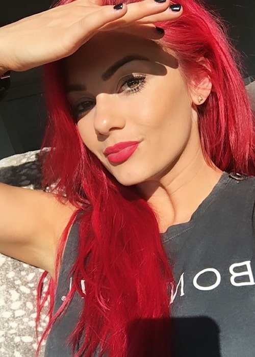 Dianne Buswell in an Instagram Selfie in February 2019