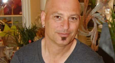 Did shave his head howie mandel why TIL Howie