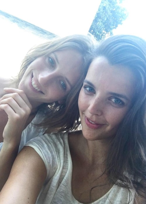 Iris Egbers in a selfie with Ellen Romeijn in February 2016