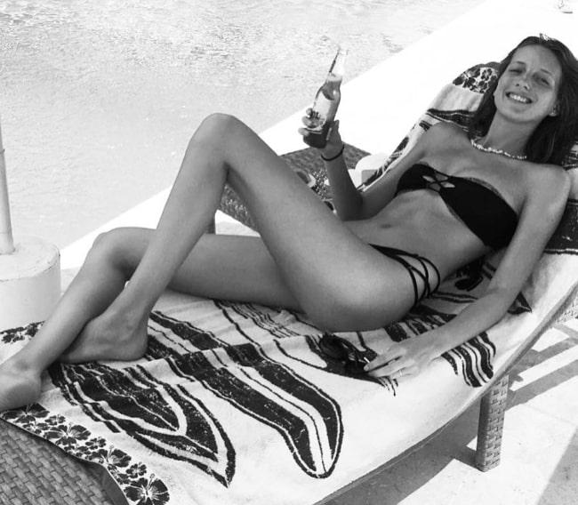Iris Egbers relaxing in August 2016