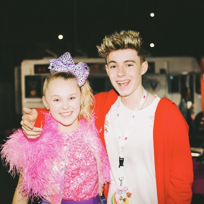 Mackenzie Sol as seen in a picture with JoJo Siwa in May 2018