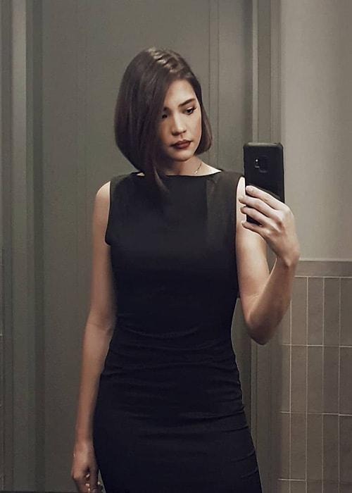 Rhian Ramos in an Instagram Mirror Selfie in February 2019