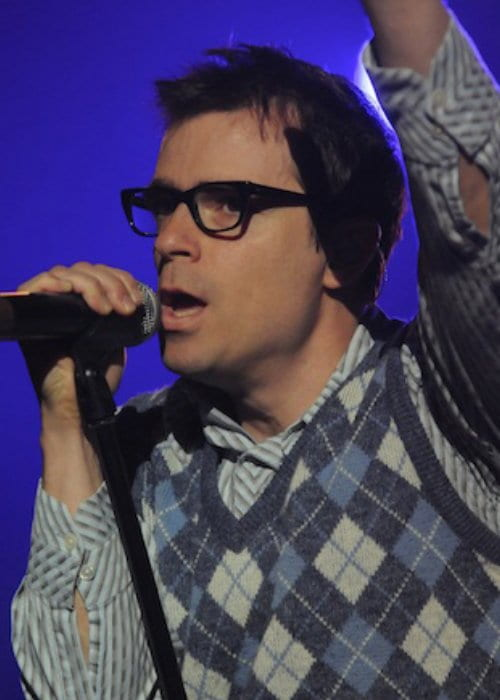 Rivers Cuomo performing at the Cisco Ottawa Bluesfest in July 2010