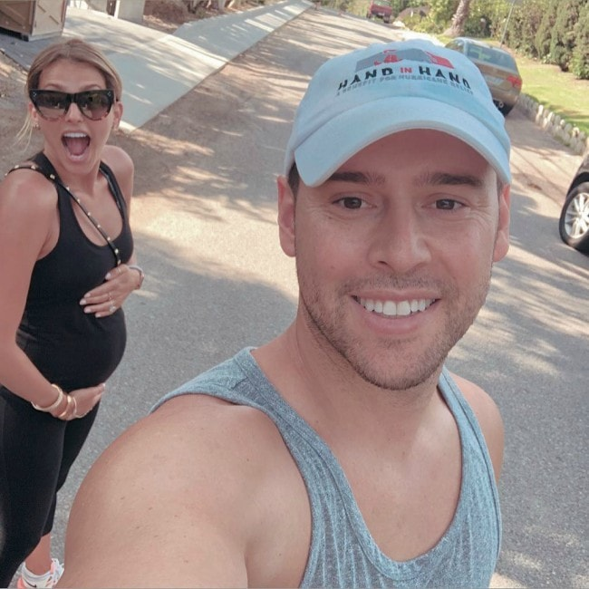 Scooter Braun as seen in a selfie with Yael Cohen in July 2018