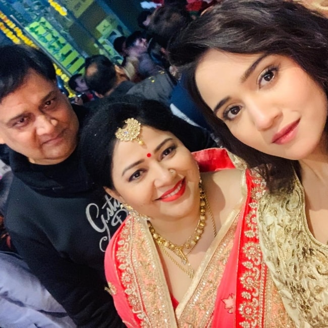 Ashi Singh as seen in a picture with her mother and father taken in January 2019