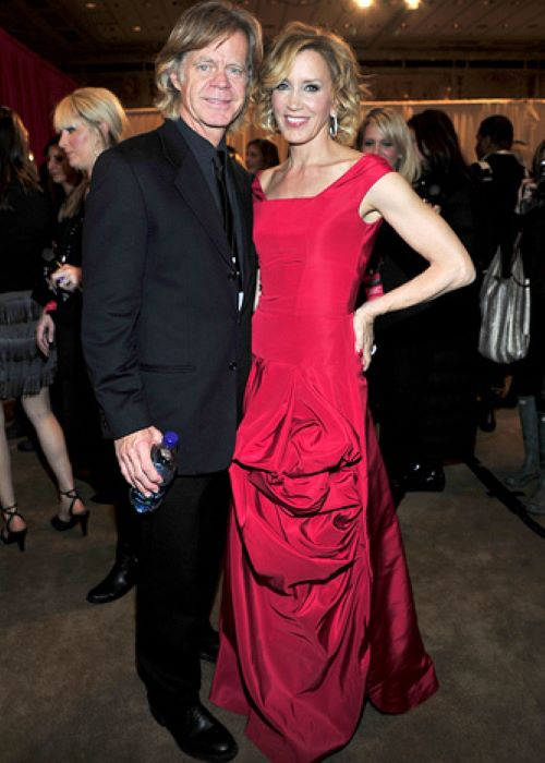 Felicity Huffman in Oscar de la Renta with William H. Macy at The Heart Truth's Red Dress Collection in 2010