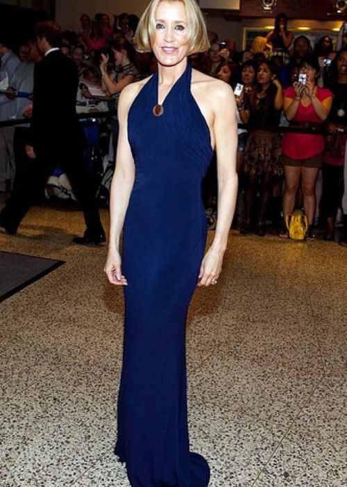 Felicity Huffman wearing Lloyd Klein as seen in November 2014