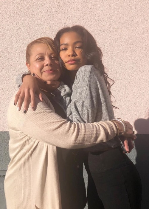 Navia Robinson as seen in a picture with her mother Lisa Butler-Robinson in March 2019