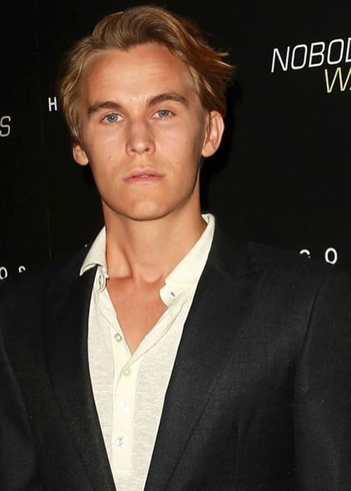 Rhys Wakefield as seen on his Instagram Fan Page in October 2016