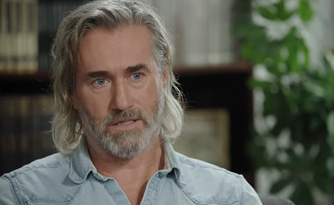 Roy Dupuis Passes on the Couch of Doctor Tough Love Labrèche