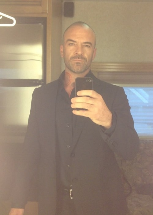 Alan van Sprang as seen while taking a dashing mirror selfie in June 2015