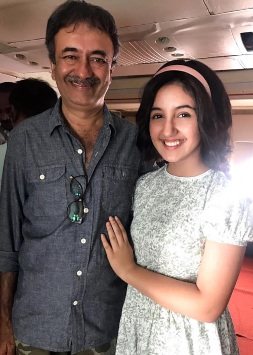 Ashnoor Kaur as seen in a picture with Rajkumar Hirani in June 2018