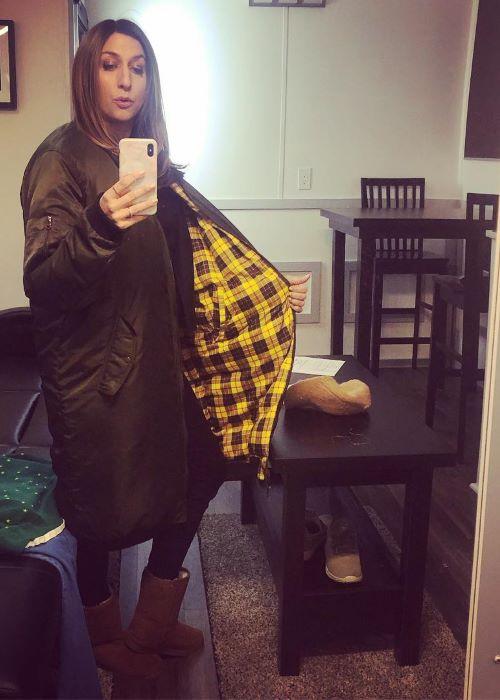 Chelsea Peretti in an Instagram Mirror Selfie in April 2019