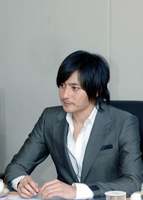 Jang Dong-gun as seen in April 2009