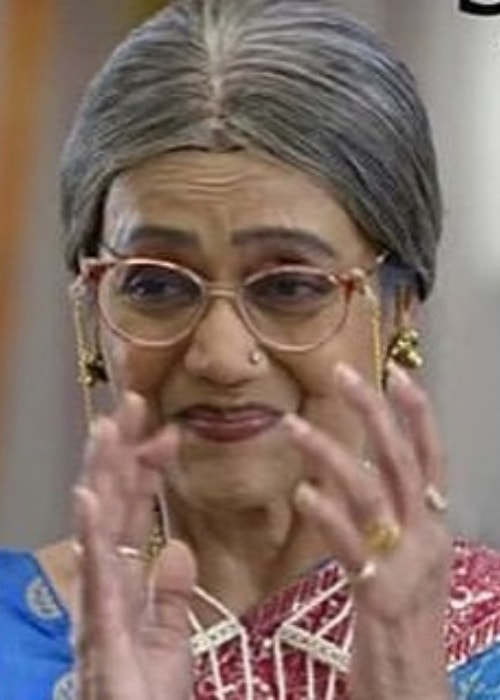 Jayshree T. as seen in a picture while playing the character Fulla Bua in Yeh Un Dinon Ki Baat Hai