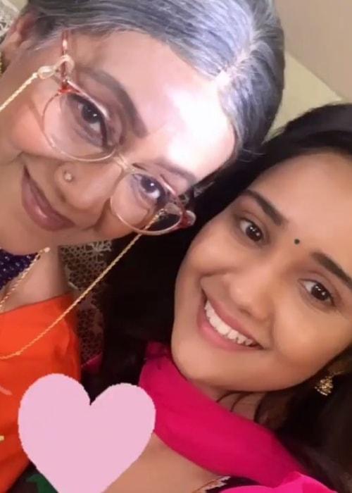 Jayshree Talpade as seen in a selfie with Ashi Singh in January 2019