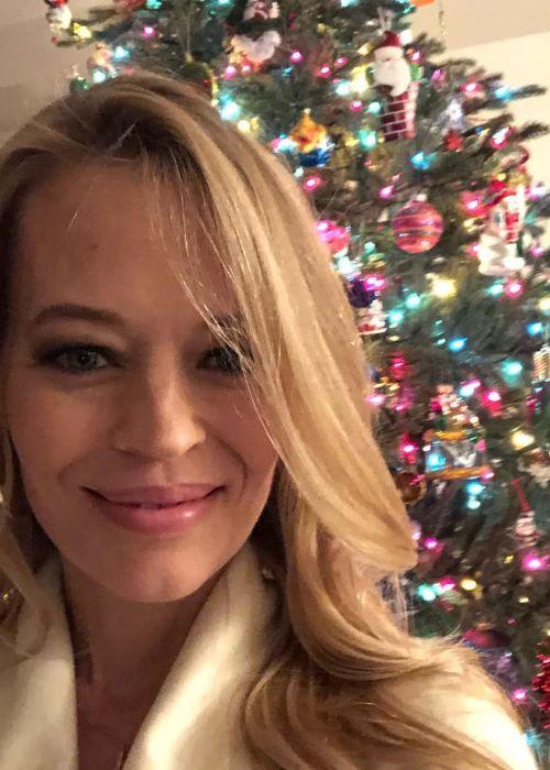 Jeri Ryan in another Instagram Selfie in December 2018