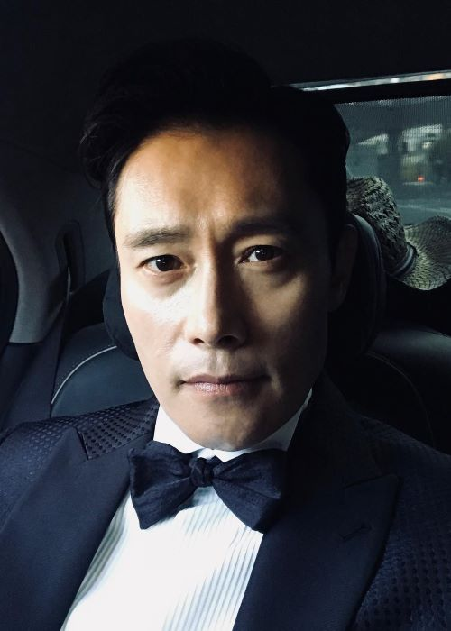 Lee Byung-Hun in an Instagram Selfie in October 2018