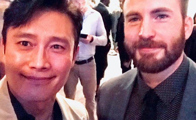 Lee Byung-Hun in an Instagram Selfie with Chris Evans