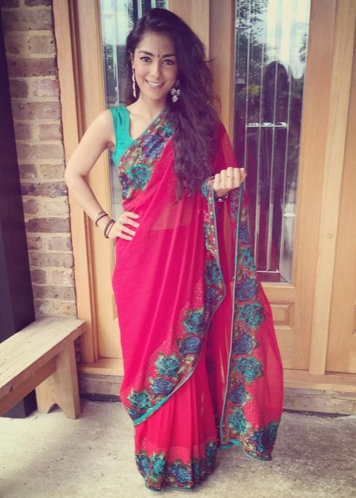 Manpreet Bambra as seen while sporting an ethnic look wearing a saree in October 2015
