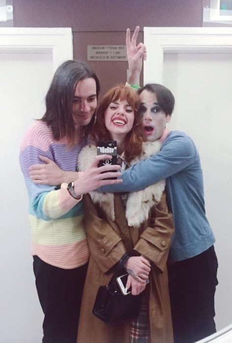 Titanic Sinclair (Left) as seen in a mirror selfie with Alanna Pearl and Kevin Barnes in October 2016