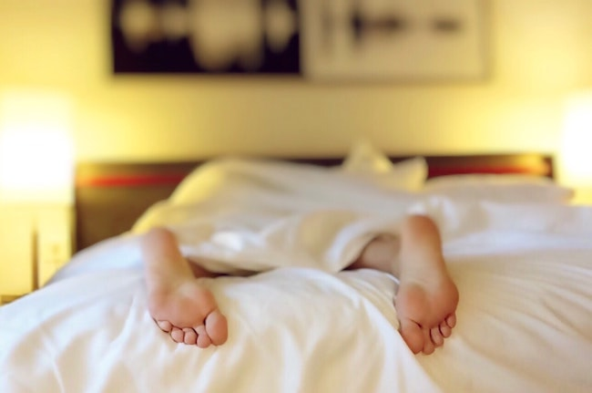 5 Causes Of Night Sweats & What To Do About Them - Healthy Celeb