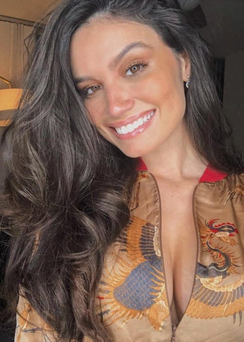 Anne de Paula in a selfie as seen in February 2019