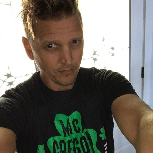 Barry Pepper as seen while taking a selfie after getting a haircut and a shave in August 2017