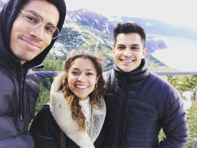 Chuku Modu as seen while taking a selfie with actor Nicholas Gonzalez (Right) and actress Antonia Thomas (Center) in Squamish Valley in March 2017
