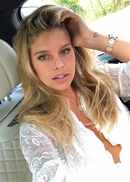Natasha Oakley as seen while taking a car selfie while road tripping in Florence, Italy in June 2018