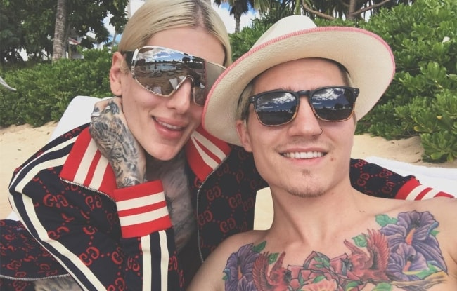 Nathan Schwandt as seen while taking a shirtless Christmas selfie with Jeffree Star in Oahu in December 2017
