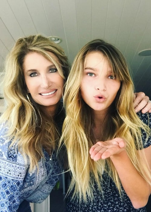 Ava August as seen in a picture while posing with her mother