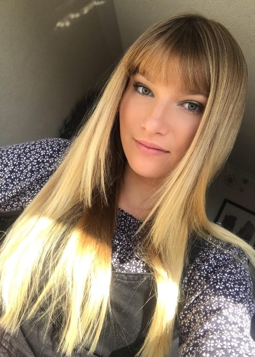Ava August as seen while taking a selfie in October 2018