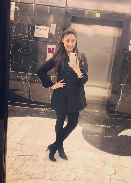 Gurleen Chopra as seen in a selfie taken at Radisson Blu Hotel in Paschim Vihar, New Delhi in January 2019