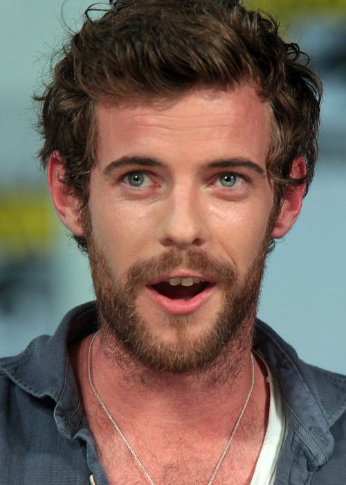 Harry Treadaway speaking at the 2014 San Diego Comic Con International