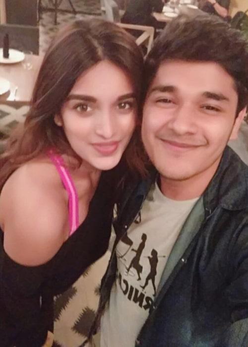 Nidhhi Agerwal as seen in selfie with film journalist Nayandeep Rakshit in January 2018