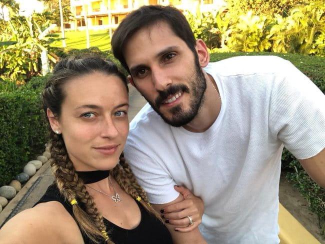 Omri Casspi and Shani Ruderman in a selfie in April 2018