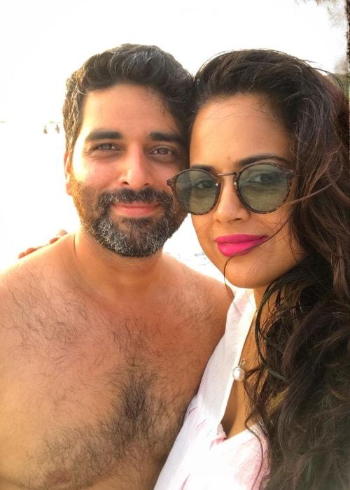 Sameera Reddy as seen in a selfie with her husband Akshai Varde at Vagator Beach in May 2019